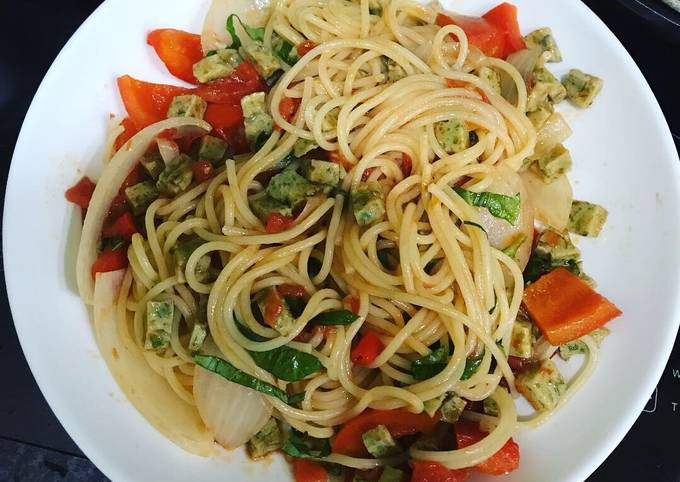 Spaghetti with fishball in tomato & oyster sauce - quick preparation