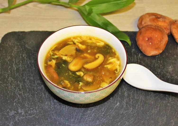 Sopa de setas shiitake y wakame