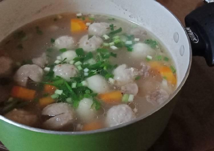"""Soup telor puyuh campur"""""""