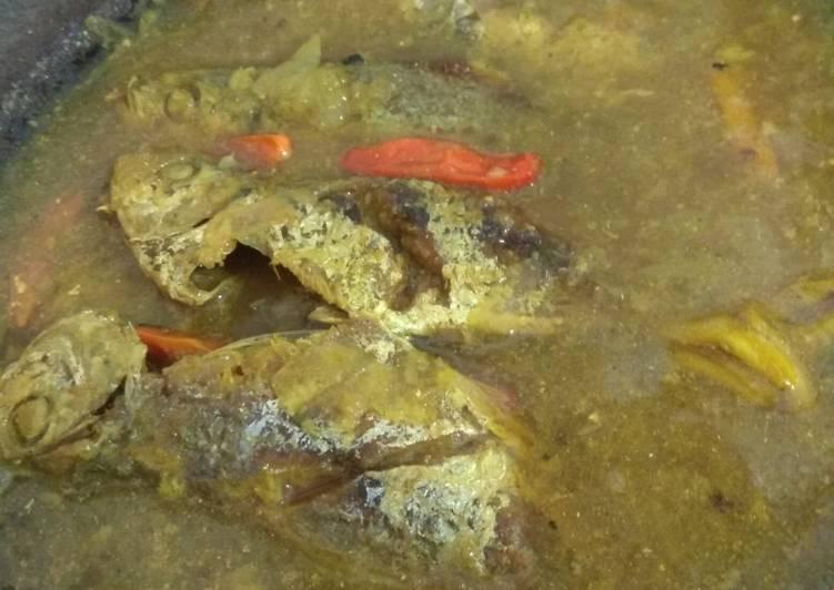 Ikan kembung bumbu kuning /pesmol