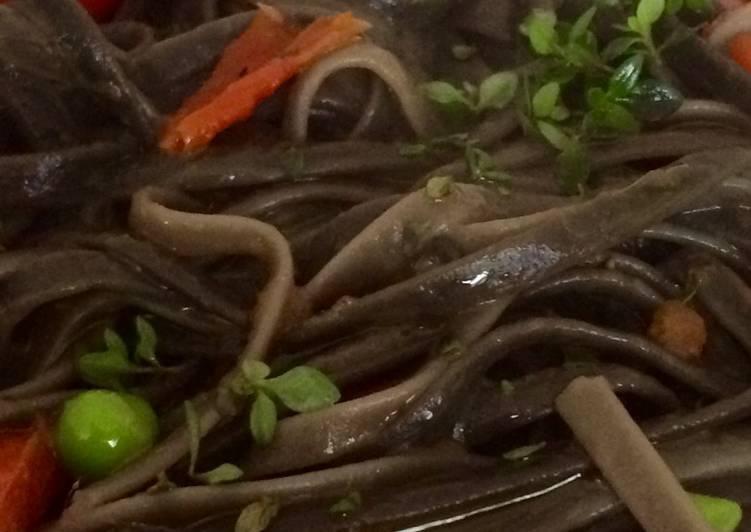 Cocina para pareja: Fettucinne nero di seppia colorate