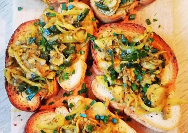 Bruschetti with Leeks, Onions and Mushrooms (Vegan)