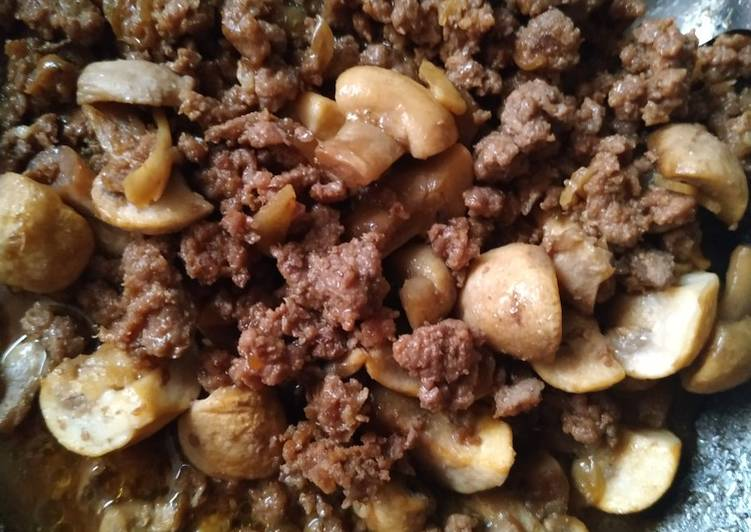 Daging cincang jamur kancing bumbu seadanya tp mantap bkin nagih