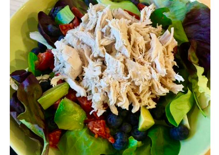 Chicken & chorizo salad