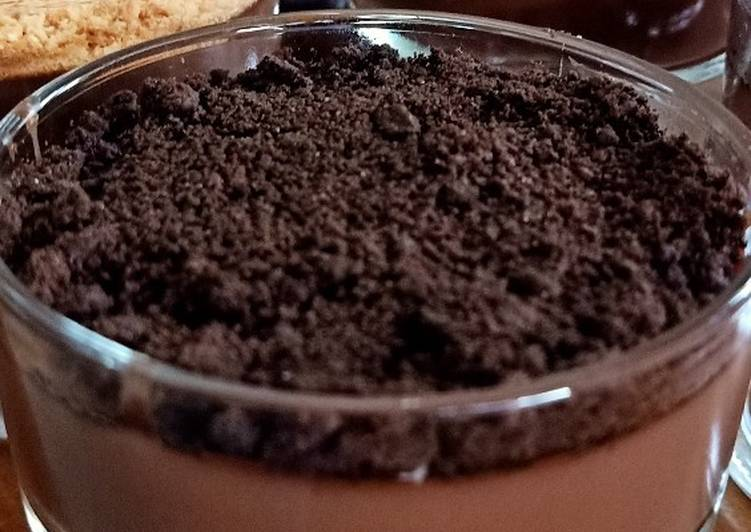 Chocolate Silky pudding (with crumbs)