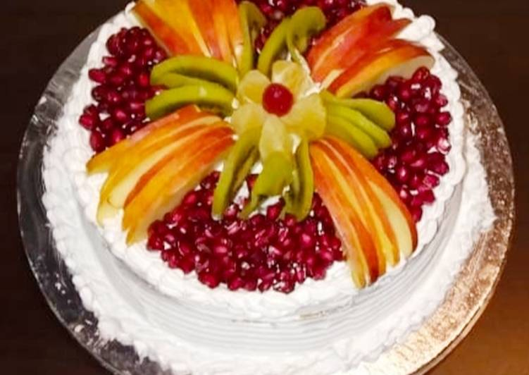 Eggless Vanilla Fresh Fruit Cake !!