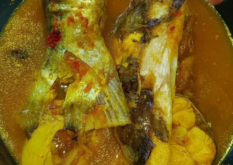 Lempah kuning ikan manyong