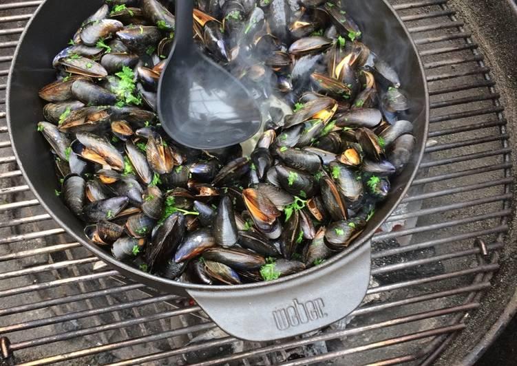 Moule marinière au barbecue