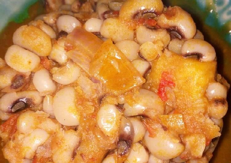 Beans and plantain porridge (fried peppers method)