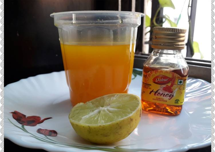 Immunity Boosting Tea (Detox Haldi Tea)