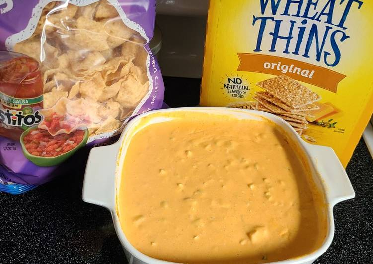 Absolutely the best Buffalo chicken dip