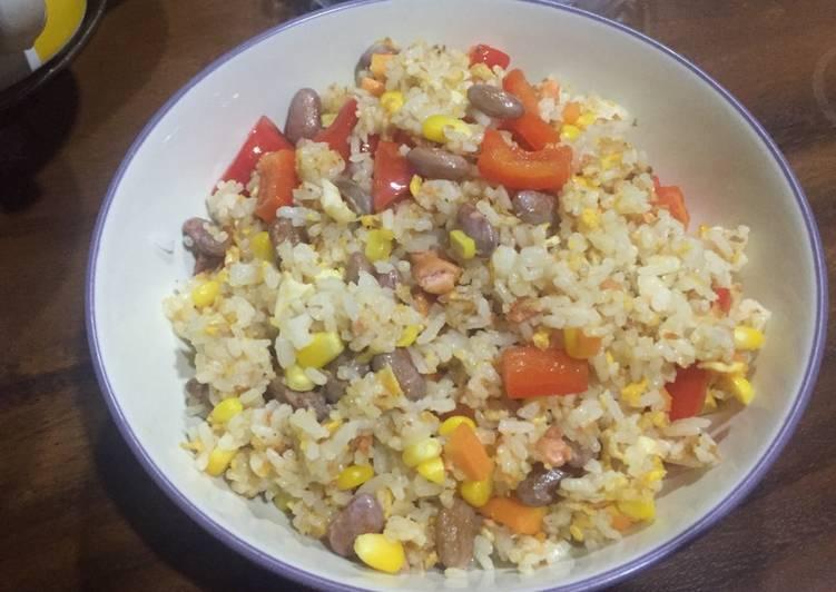 Nasi goreng salmon vegetarian