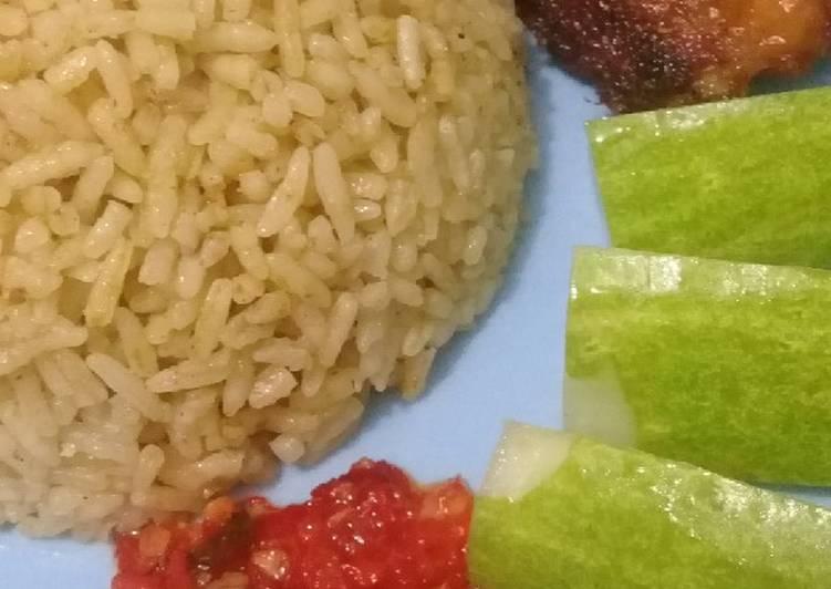 Cara Membuat Nasi kebuli ayam bunda pasti bisa