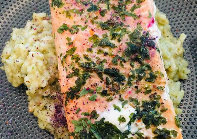 Saumon mariné aux herbes et Risotto Verde