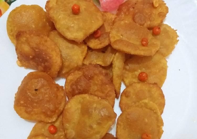 Steps to Make Homemade Crispy atta papri