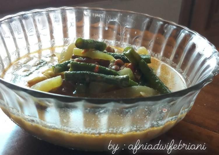 Sayur Lodeh Kacang Panjang + Kacang Tolo + Labu Siam +Cabe Ijo