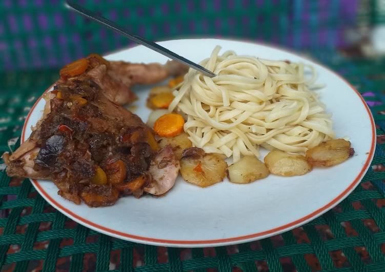 Pasta x peppered chicken with potatoes