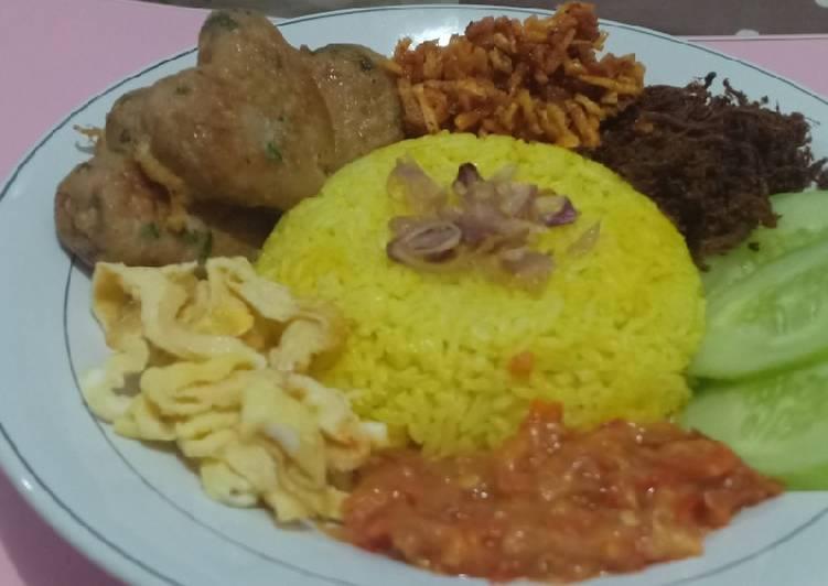 Nasi Kuning Magicom simple - cookandrecipe.com