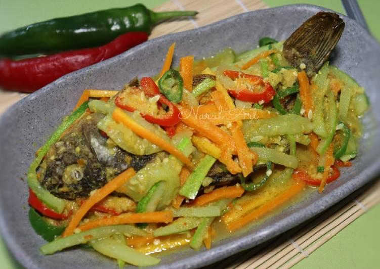 Ikan Goreng Acar Kuning - cookandrecipe.com