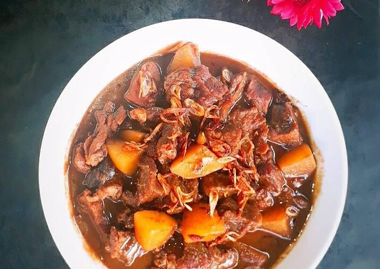 Semur Daging khas Betawi
