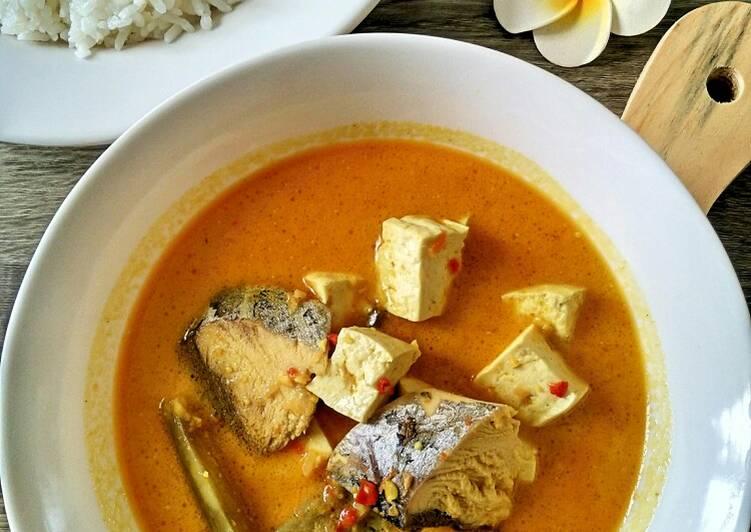 Ikan Tuna Kuah Gulai Pedas