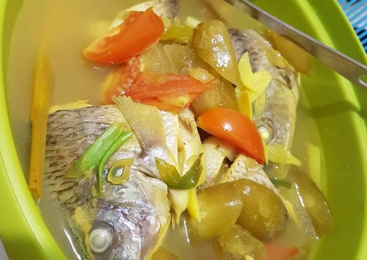 Ikan nila kuah kuning seger