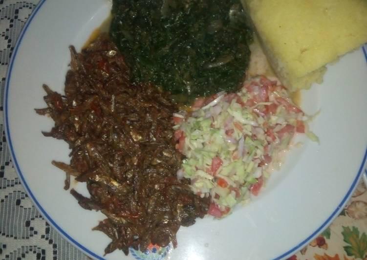 Steps to Make Perfect Fried Omena,kienyeji mboga mix,coleslaw salad,semolina ugali