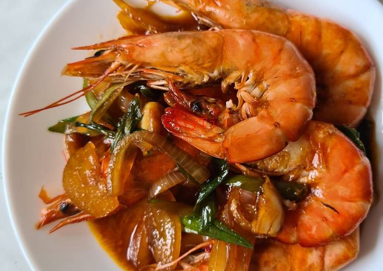 Step-by-Step Guide to Make Homemade Stir Fry Prawn w/ Worcestershire sauce