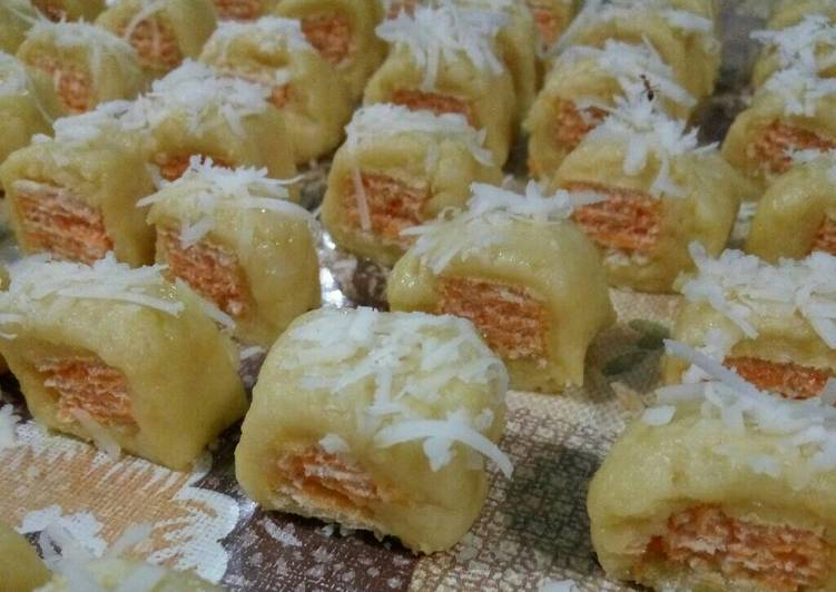 Triple Cheese wafer cookies