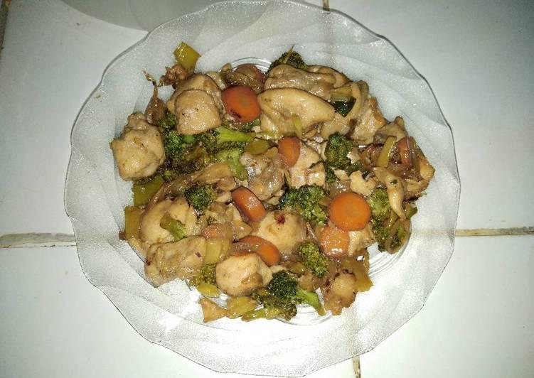 Tumis Ayam Brokoli Saus Tiram