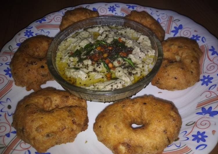 The Best Soft and Chewy Dinner Easy Vegan Medu Vada with Nariyal Chutney