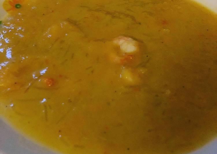 La Meilleur Recette De Velouté de légumes aux crevettes et vermicelles de riz