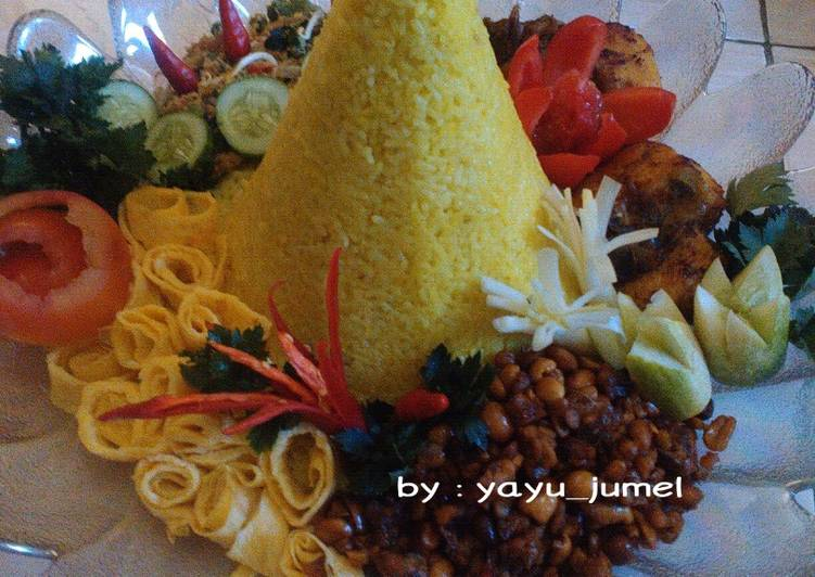Resep Tumpeng Nasi Kuning Ultah Chandra Oleh Yayuk Jumell Cookpad