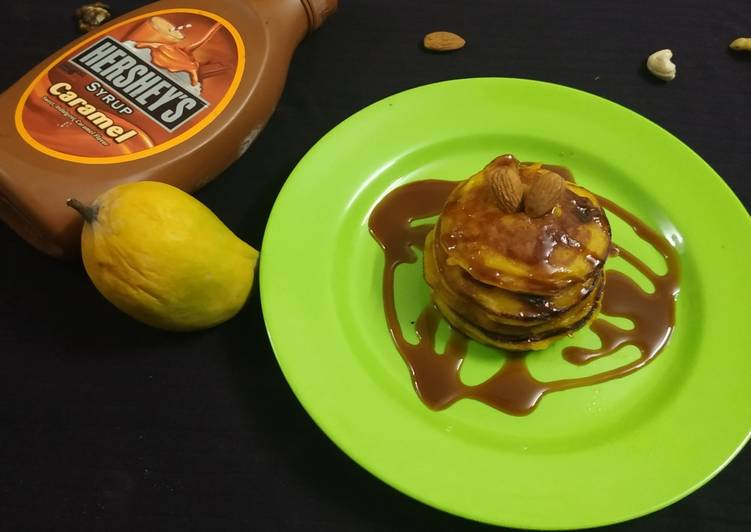 Mango Pancakes with Almonds and Caremal Sauce