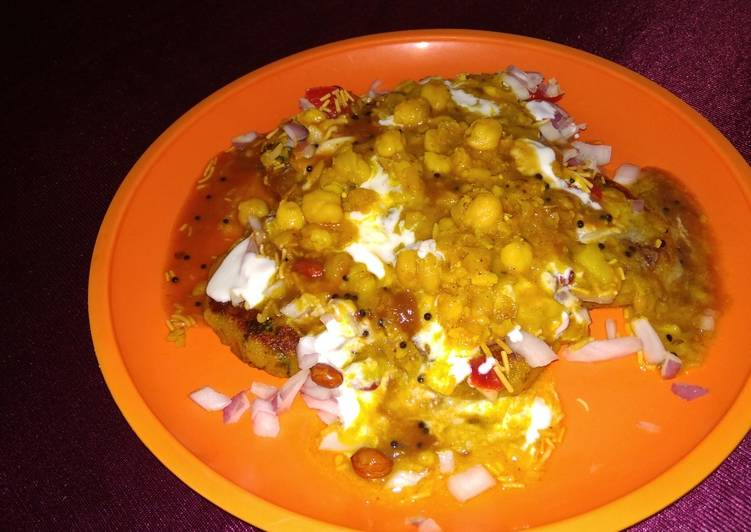 30 Minute Step-by-Step Guide to Make Award Winning Aloo Chola Tikki Chat