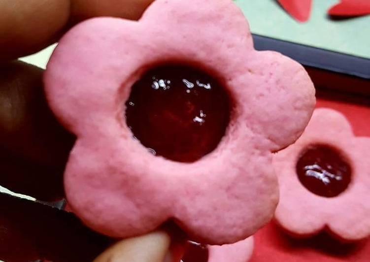 Handbook to Make Pleasurable Strawberry custard cookies (Pink Beauty)