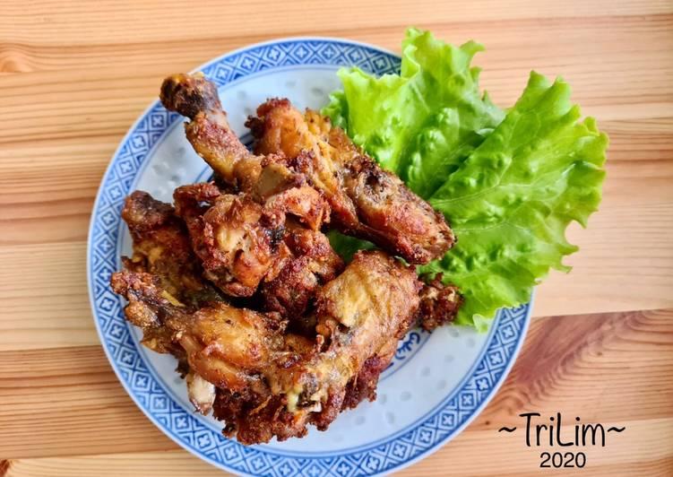 Ayam Goreng Bumbu Kuning dengan Panci Presto