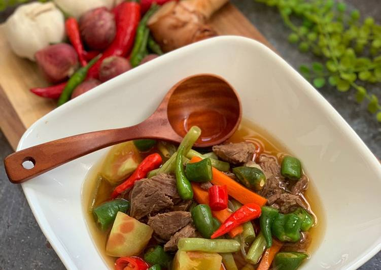 15 Minute Steps to Prepare Quick Sour Spicy Beef Soup (Asem Asem Daging)