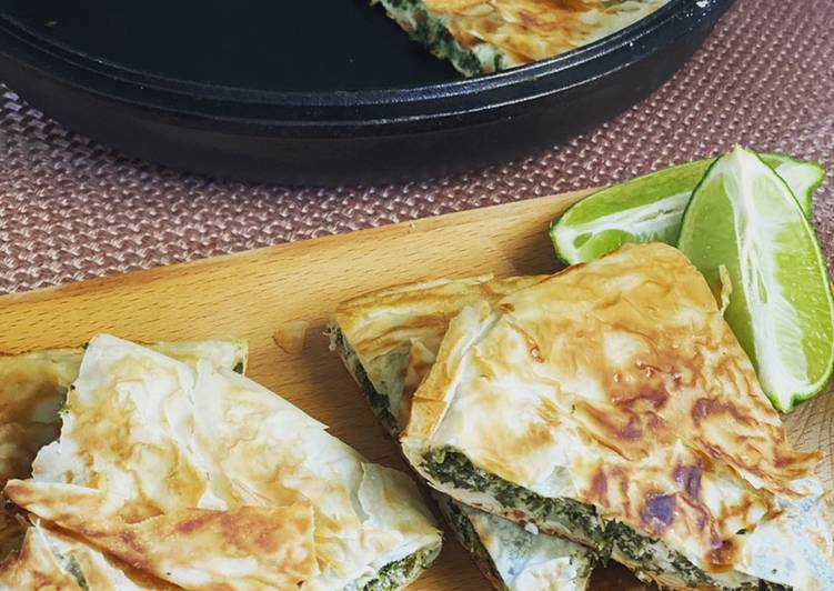 Spinach and white cheese borek