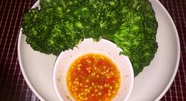 Hình ảnh món Súp lơ (bông cải xanh) luộc chấm muối ớt