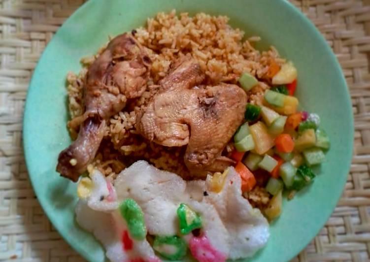 Biryani ayam (beras lokal)