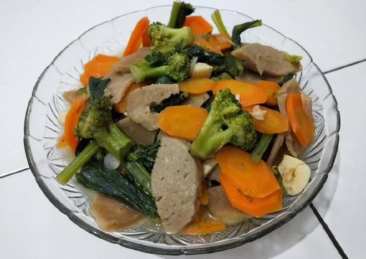Tumis brokoli,wortel,sawi hijau,dan bakso