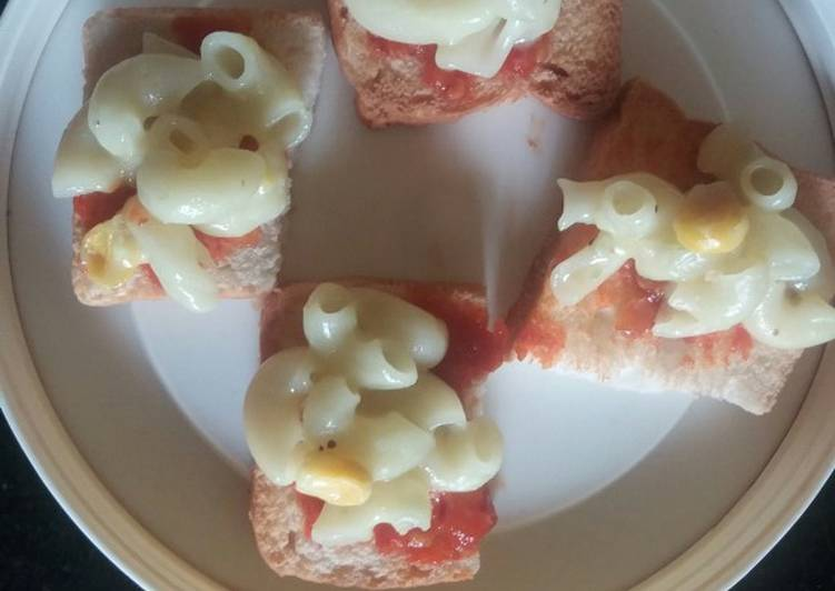 Cheese corn pasta with crunchy twist