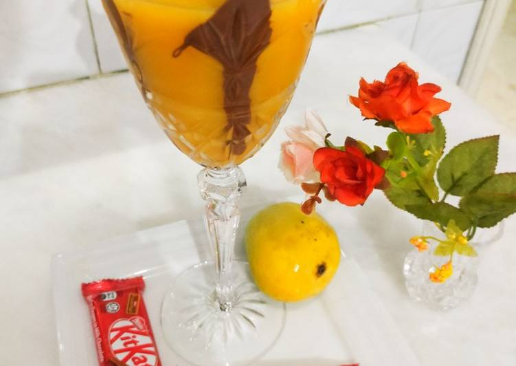Mango juice with chocolate