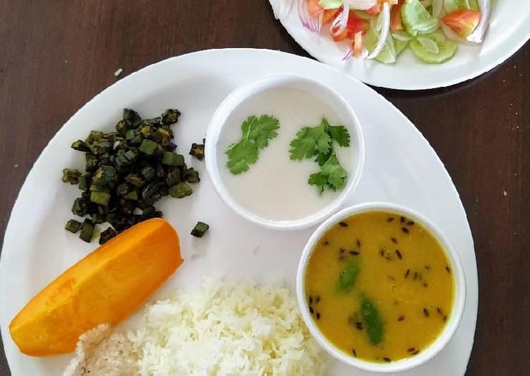 Lunch- veg thali with rice, tadka mung dal, bhindi fry and chhas