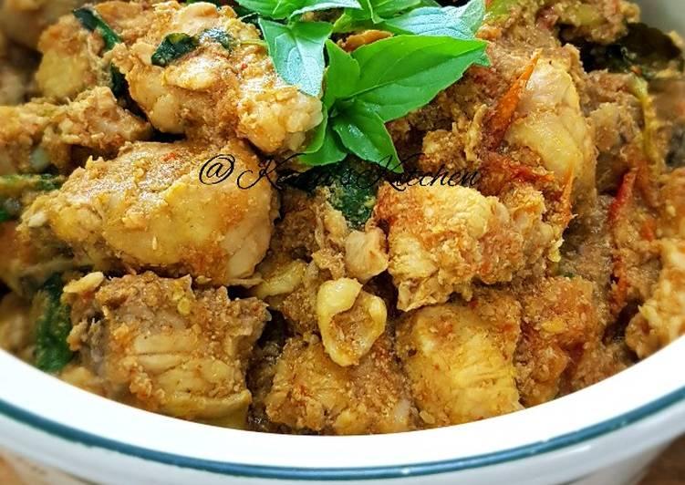 AYAM GARO RICA (Spicy Chicken With Lemon Lime Basil)