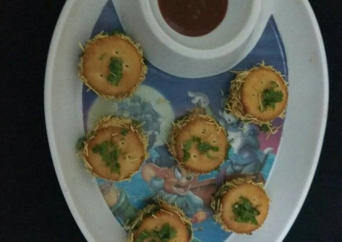 Easiest Way to Cook Perfect Monsoon cheesy biscuit starters