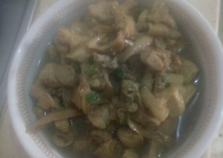 Tumis ayam jamur