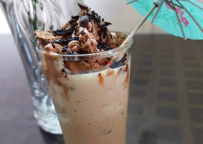 Oreo chocolate milkshake