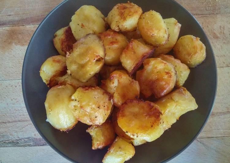 Crunchy roast potatoes